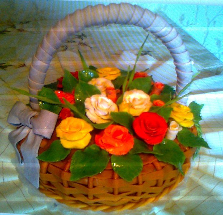 """Торт """"Корзина цветов"""" Состав: шоколадный бисквит+крем ганаш, орехи, вишня. Украшения из мастики. Вес 4кг Цена: 6000 руб."""