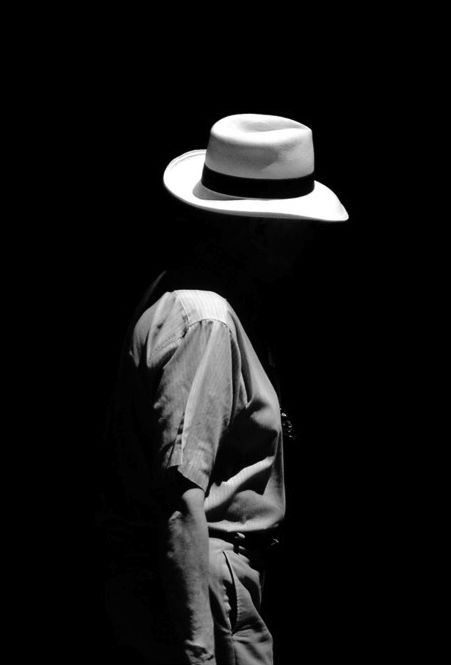 Photo © Kelebek Misali- faceless man and hat, cool effect