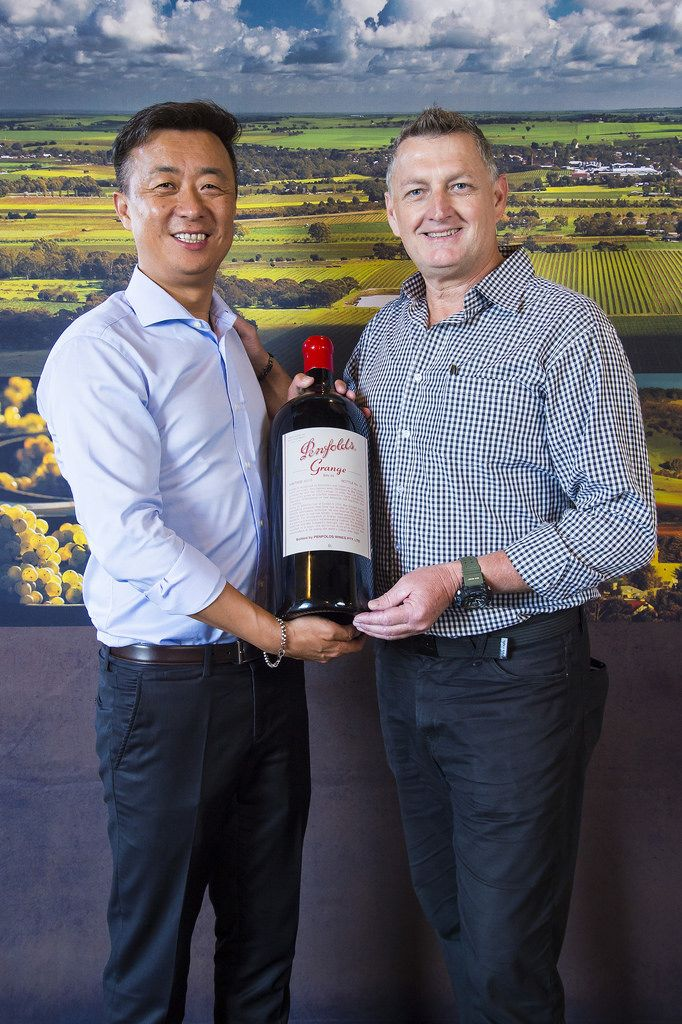 2017 Barossa Wine Chapters Auction. 21 April 2017, Chateau Tanunda. Images by John Kruger Photography. Copyright Barossa Grape & Wine Association (BGWA).