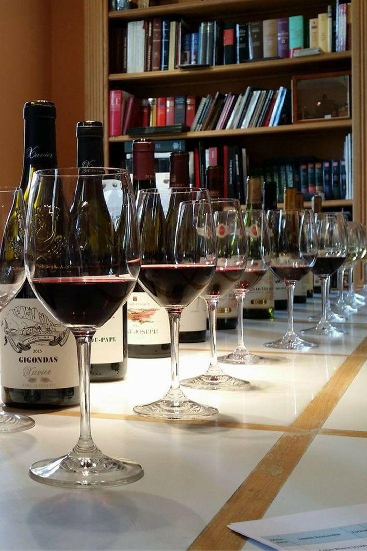 Généreuse dégustation de vins de la Vallée du Rhône.  #Gigondas #Vacqueyras #Condrieu #SaintJoseph #CoteRotie #Hermitage #VinMillesima  (© Photo : Millésima)