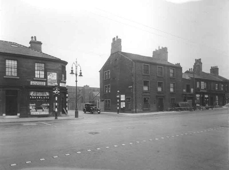 Wakefield Road, Huddersfield - the Wharf Inn corner of Firth Street
