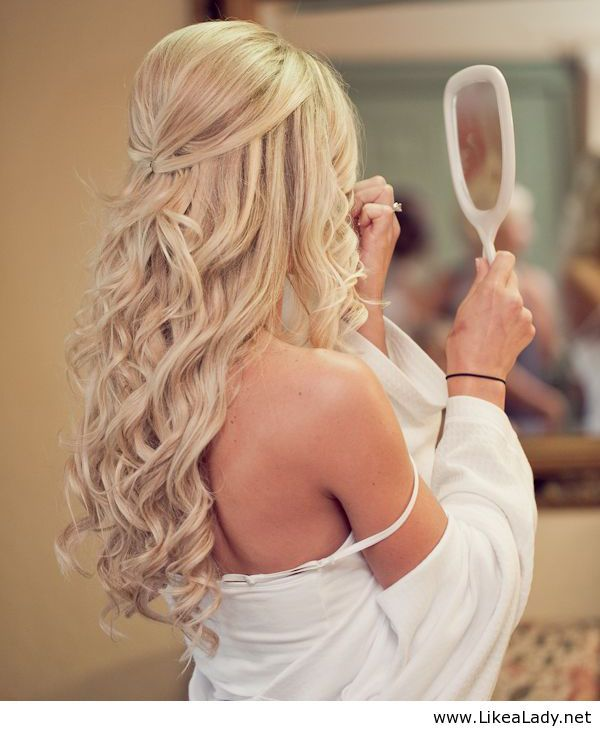 Half up wedding hair is the perfect style for every bride