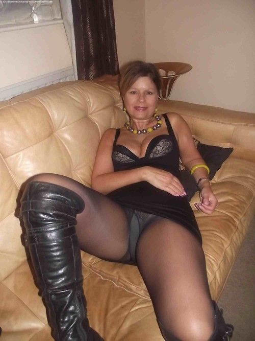Sex with mature pantyhose