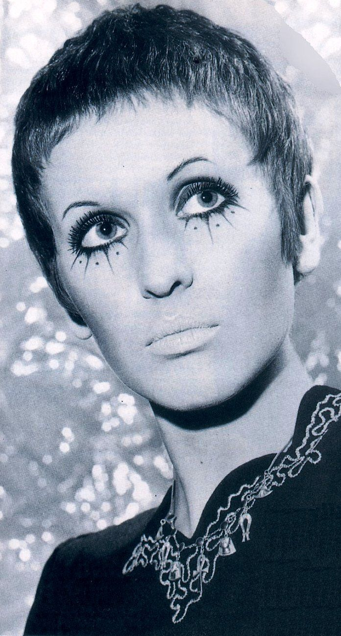 Julie Driscoll - great singer, great hair, cool makeup