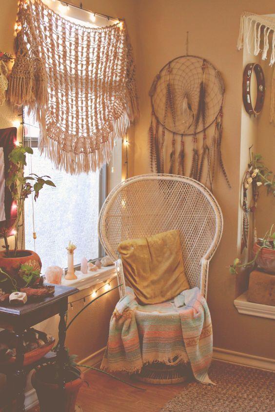 bohemian living room decorating idea 18