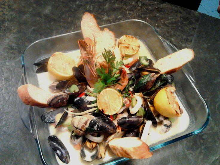 MOMO seafood platter/ Półmisek owoców morza :)))