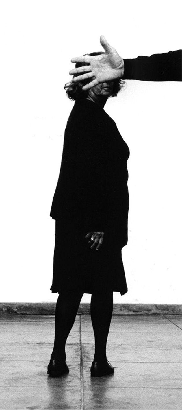 """""""Portugal, Portugueses"""" inclusive mostra a importância da presença feminina nas artes plásticas e expõe artistas como Maria Helena Vieira da Silva, Ana Vieira, Helena Almeida, Paula Rego e Lourdes Castro."""