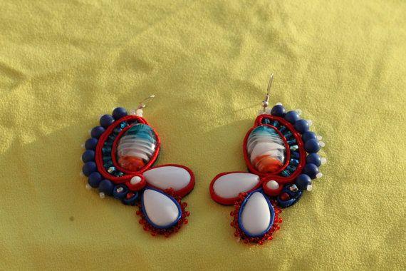 Orecchini pendenti coloratissimi di Marilucchia su Etsy