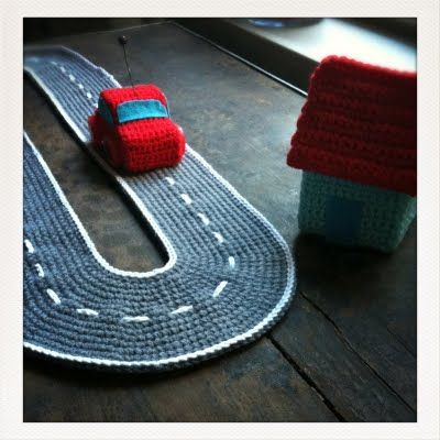 #Toys Crocheted car and track / Isabelle Kessedjian