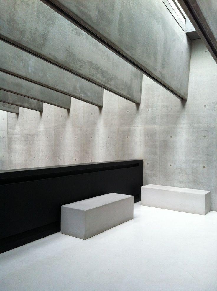 25 best ideas about exposed concrete on pinterest modern loft apartment concrete interiors for Exposed concrete walls interior