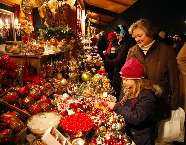 the inside of a german christmas market chalet | ... In Search of Christmas & 41 best Christmas Markets images on Pinterest | Christmas markets ...