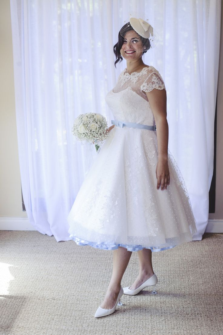 Real bride thaidi wearing her vintage style wedding for Wedding dresses short brides