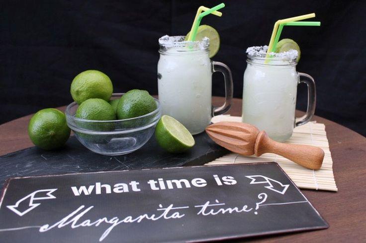 Få den bedste opskrift på den friske og forrygende frozen margarita her. Cocktailen er stærk med en god smag af både tequila og lime.