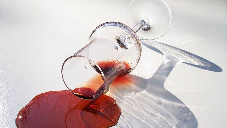 Comment supprimer une tache de vin rouge sur un tissu