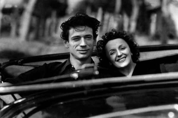Párizsban akkor is beköszöntött az ősz. Edith Piaf, aki nem bánt meg semmit