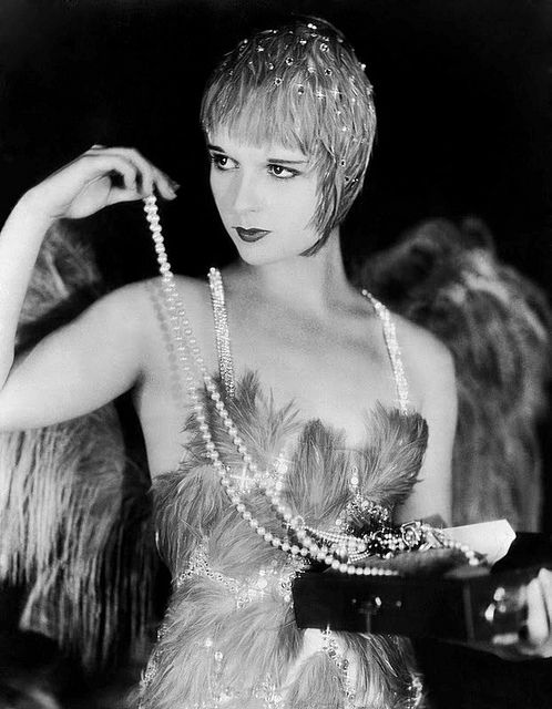 "Lulù in ""The Canary Murder Case"", directed by Malcolm St. Clair, in 1929. The story is based on S. S. Van Dine's homonym murder mystery novel (1927). References: http://it.wikipedia.org/wiki/La_canarina_assassinata_(film_1929)"