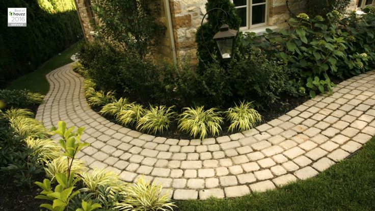 Explore Groupe Paramount and all the possibilities they can open up to you for your home landscaping and pool needs. Experts in landscaping since 1979