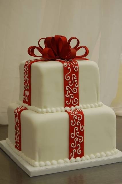 Christmas Cake Decoration Present : Christmas Present Fondant Tier Cake Holidays Pinterest ...