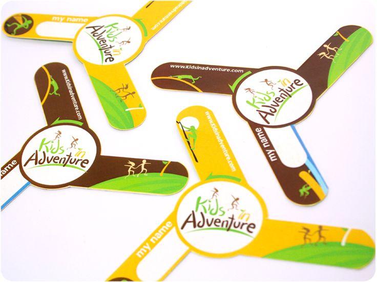 Kids in Adventure - Boomerang en cartón, material promocional