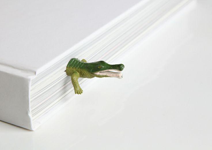 """Marque-page """"Crocodile""""  impossible de vous voler votre livre quand il est dans les parages :)"""