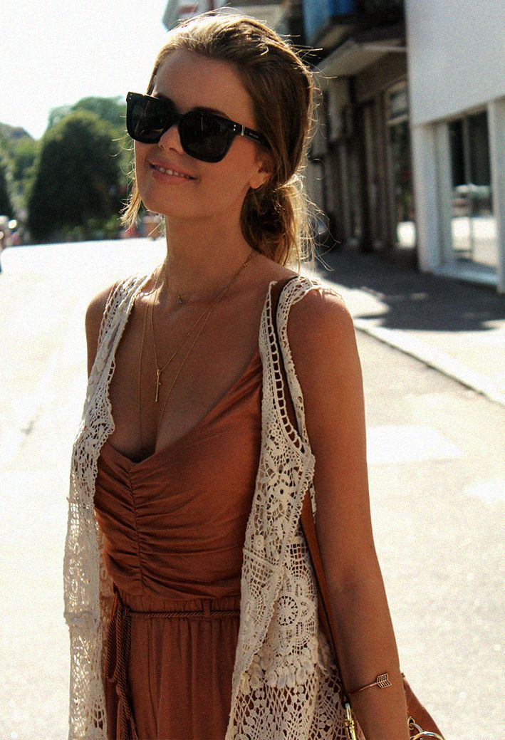 who has a lace vest? i want to make this outfit now haha