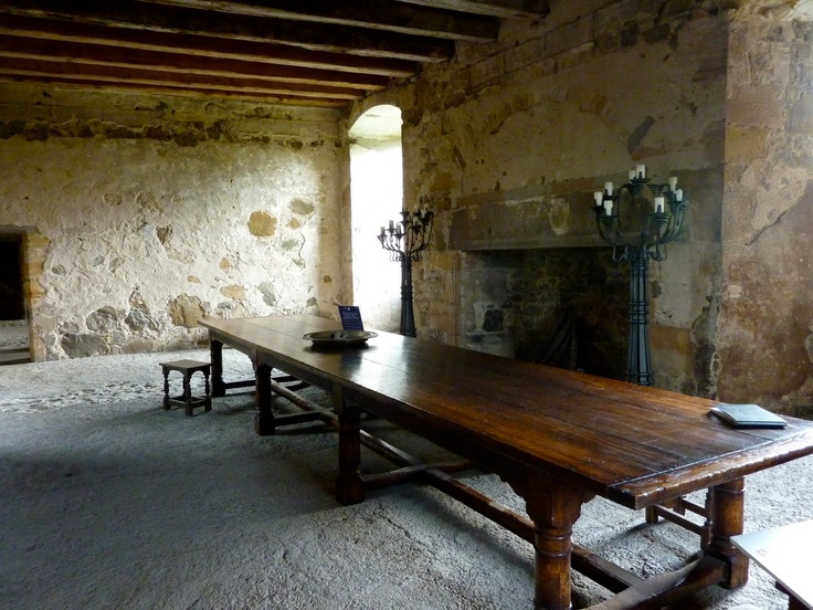 Inside Medieval Castles   ... from castle to mansion building in scotland the castle manages to