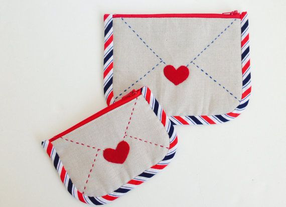 This is a PDF zakka sewing pattern to create uniquely designed *Airmail* themed pouches. Two pouch sizes are available: Coin Purse (5 zipper)