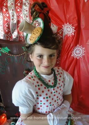 Handmade Grinch Character Group Costumes: I have been making my kids costumes every year after their first birthday. I love to dress my kids up in costumes that will make them feel really special,
