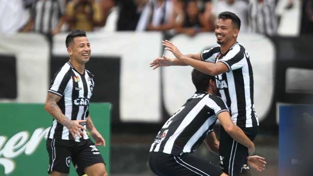 5 Rodrigo Lindoso Botafogo 1x0 Corinthians Brasileiro 2018 Botafogo Campeonato Brasileiro Jogo Botafogo