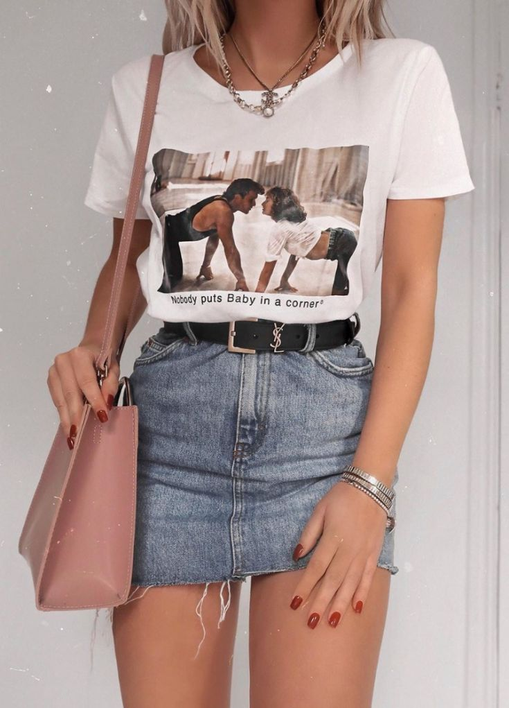 how to style a denim skirt : printed tee + blush bag
