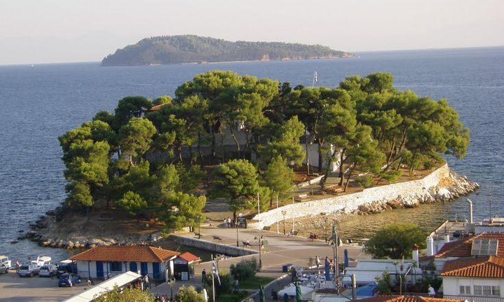 Golden sandy beaches, the clear sea, pine forests... No wonder that these…