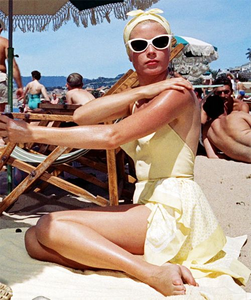 ·to catch a thief ·1955 ·grace kellySummer Vacations, Gracekelly, Beach Style, Vintage Summer, At The Beach, Alfred Hitchcock, Grace Kelly, Vintage Beautiful, Beach Chic