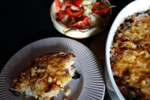LA VERA  IN BUCATARIE: Omleta cu paste si salata de dovlecei