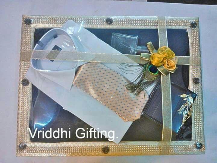 Pin By Nivedita Saha On Kaus Indian Wedding Gifts Wedding Gift