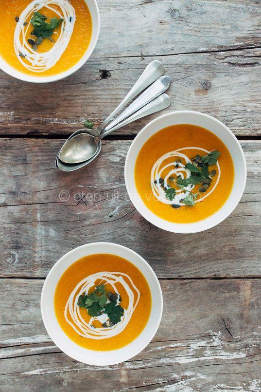 Kruidge wortelsoep met sinaasappel en rozemarijn