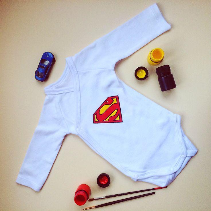 #yuliamiro_art @yuliamiro_art Рисунки на одежде. Роспись одежды. Рисунки на футболках. Ручная работа. Детский боди. Супермен.