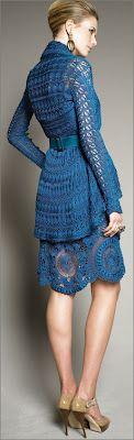 crochet makes it into the big time.  Designs from Oscar de la Renta. Uglam Magazine: Crochet, Tejido de Moda; Modelos de Oscar de la Renta #crochet #fashion