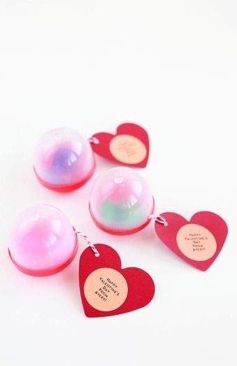 Combine cute erasers, pretty string and a little Valentine's Day message inside a vending capsule and you have the perfect Preschool Valentines!