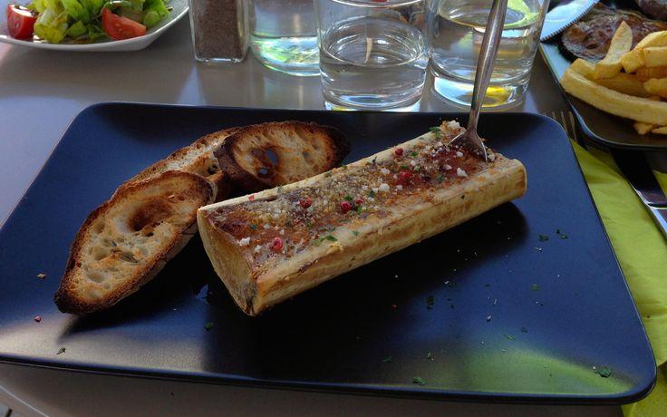 Os à moelle gratiné, fleur de sel et baies roses au Café de la Gare, beautiran : #cuisineduterroire