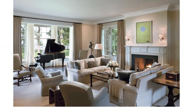 Room Arranging: Furniture Arrangement Around Fireplace