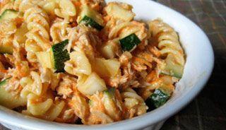 Salade de macaronis au thon avec un soupçon de sirop d'érable