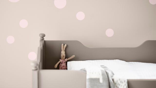 Des couleurs sourdes contribueront à créer une décoration fantaisiste, à la fois élégante et moderne.