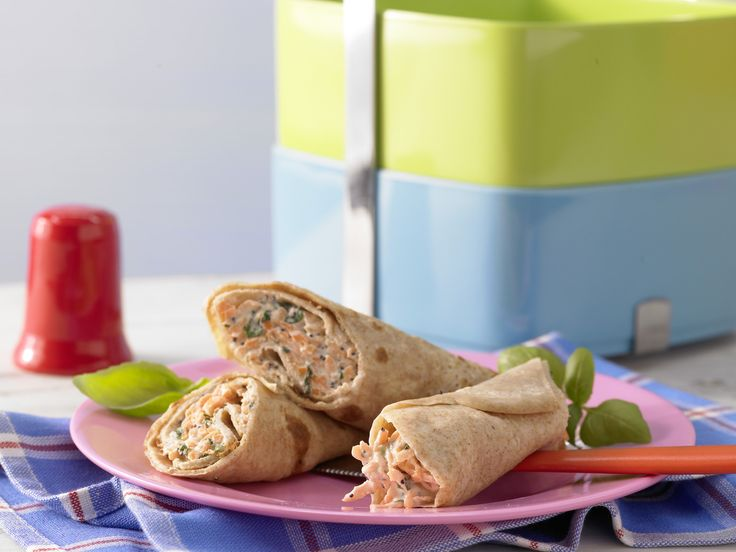 Pfannkuchenrollen - mit Ziegenfrischkäse und Möhren - smarter - Kalorien: 105 Kcal - Zeit: 1 Std. 10 Min. | eatsmarter.de