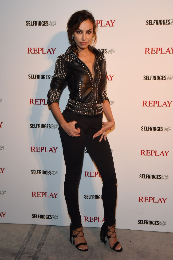 Have a look at the rocking Madeline Ghenea's look.
