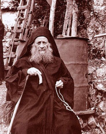 photograph of the Elder Joseph the Hesychast.  Link to Orthodox Prayer rope information and history.
