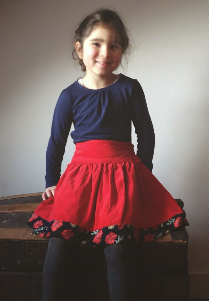 Red skirt, needlecord, sewing pattern from  Akiko Mano, Linen Wool Cotton Kids http://as-it-seams.blogspot.be/2015/02/just-little-red-skirt-and-lessons-in.html