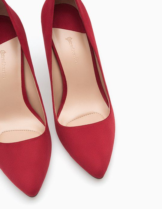 At Stradivarius you'll find 1 Narrow heel court shoes for woman for just 89.9 PLN . Visit now to discover this and more ALL.