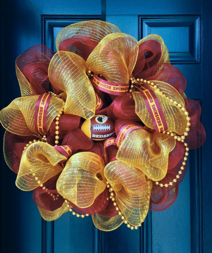 Washington Redskins Wreath Www.etsy.com/shop/elleandi