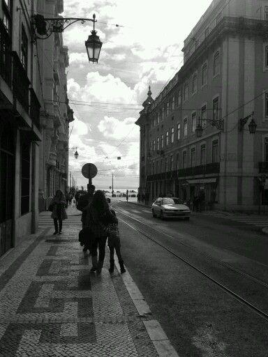 Lisboa by Sabrina Bodigoi