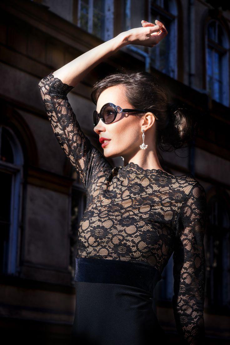 Simply elegant  #style #elegant #audreyhepburn #lacedress